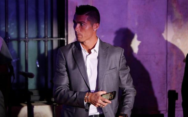 Cristiano  Ronaldo  complicado  en serio:  lo acusan  de otras 3  violaciones