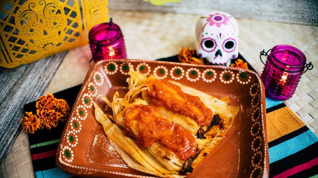BUENA MESA:   Tamales en Salsa Roja
