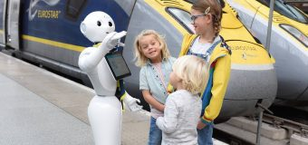 ¿Cómo debería  comportarse un  robot en la cola  del supermercado?