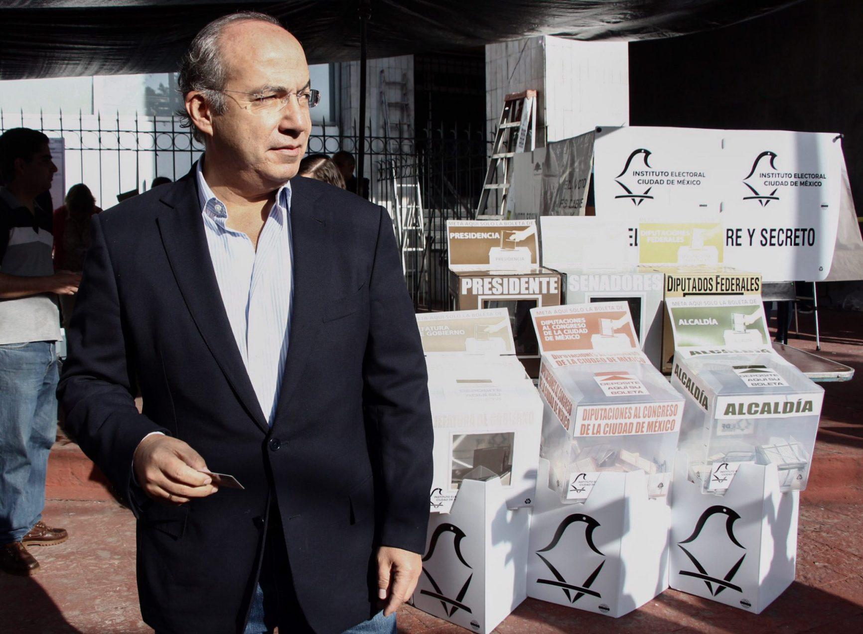 Felipe Calderón renuncia  al Partido Acción Nacional