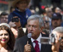 LOPEZ OBRADOR presenta denuncia penal contra Peña Nieto por traición a la patria