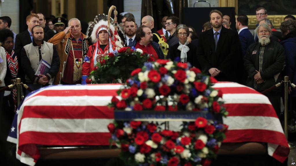"""Último adiós a George H. W. Bush:  """"El mejor padre que un hijo pudo tener"""""""