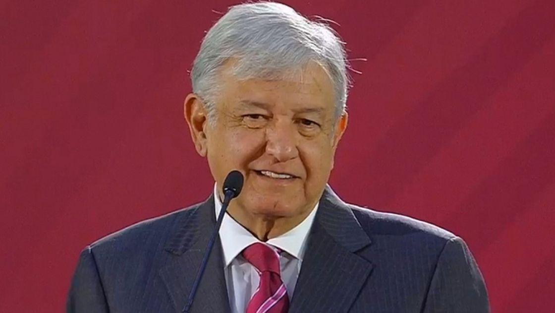 ¿Importa que López Obrador no use el avión oficial, no  viva en Los Pinos y no lo proteja un séquito militar?