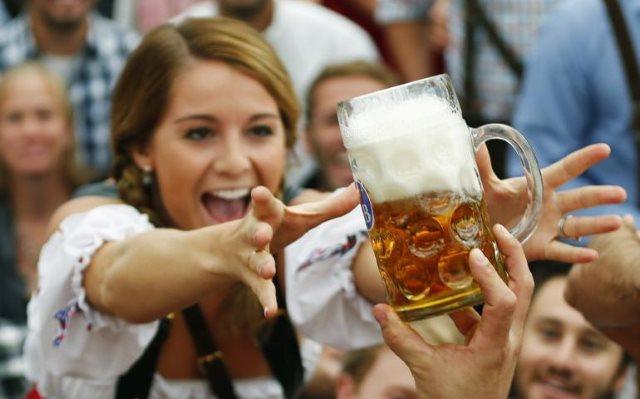 Conozca los 13 beneficios que le proporciona el beber cerveza!