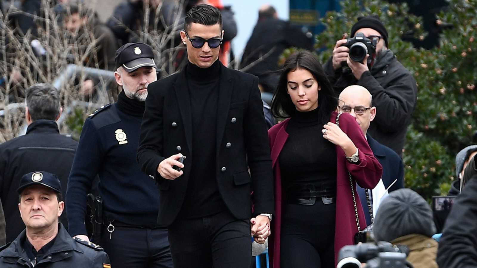 Cristiano Ronaldo acepta  condena a 23 meses de cárcel y una multa de 18,8 millones  de euros