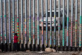 Donald Trump asegura que hará construir el muro, pero  no menciona si decretará el estado de emergencia