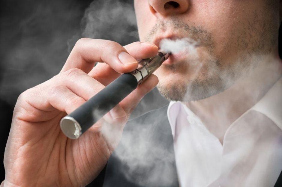 Muere joven de 24 años al explotarle un cigarro electrónico