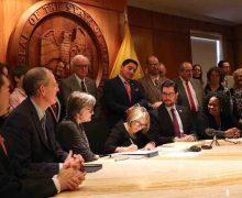La gobernadora de Nuevo México retira a la Guardia  Nacional de la frontera, desoyendo a Donald Trump