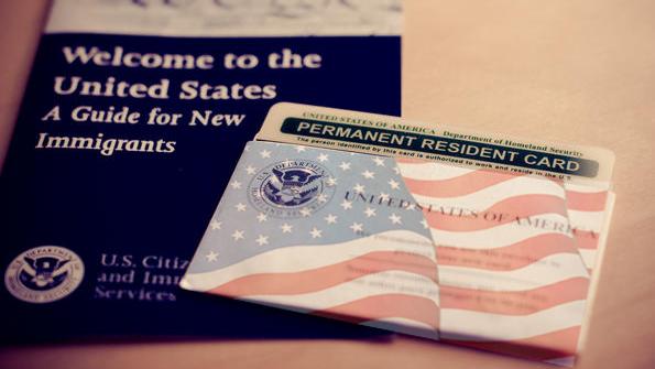 Crecen un 39% los rechazos de green cards