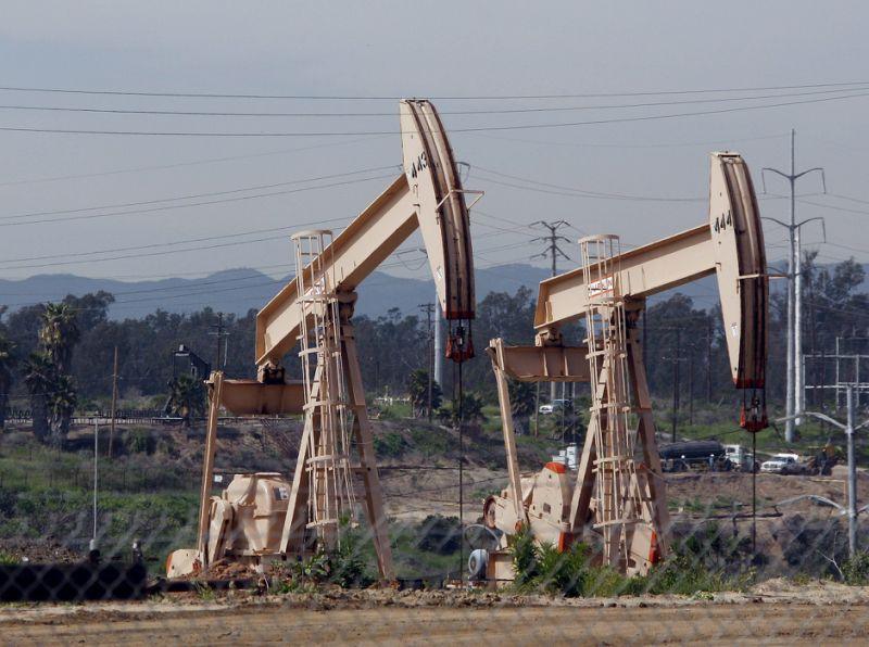 El petróleo de Texas baja un 1 % en el último día del año