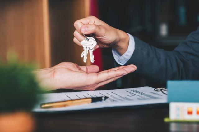 Alquilar una casa cuesta casi lo mismo que una hipoteca en EEUU