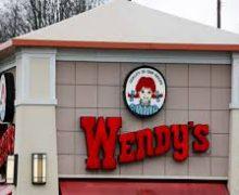 Wendy's es multada por violar la ley de trabajo infantil