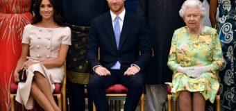 ¿Qué celebridades y miembros de la realeza  tuvieron contacto con el príncipe Carlos?