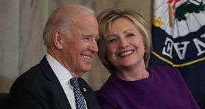 """"""" Joe Biden es la persona correcta  en el momento preciso"""": Hillary"""