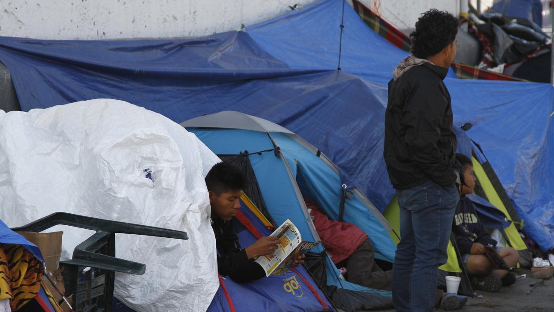 Nueva regla de asilo publicada este lunes deja sin opciones a migrantes en la frontera