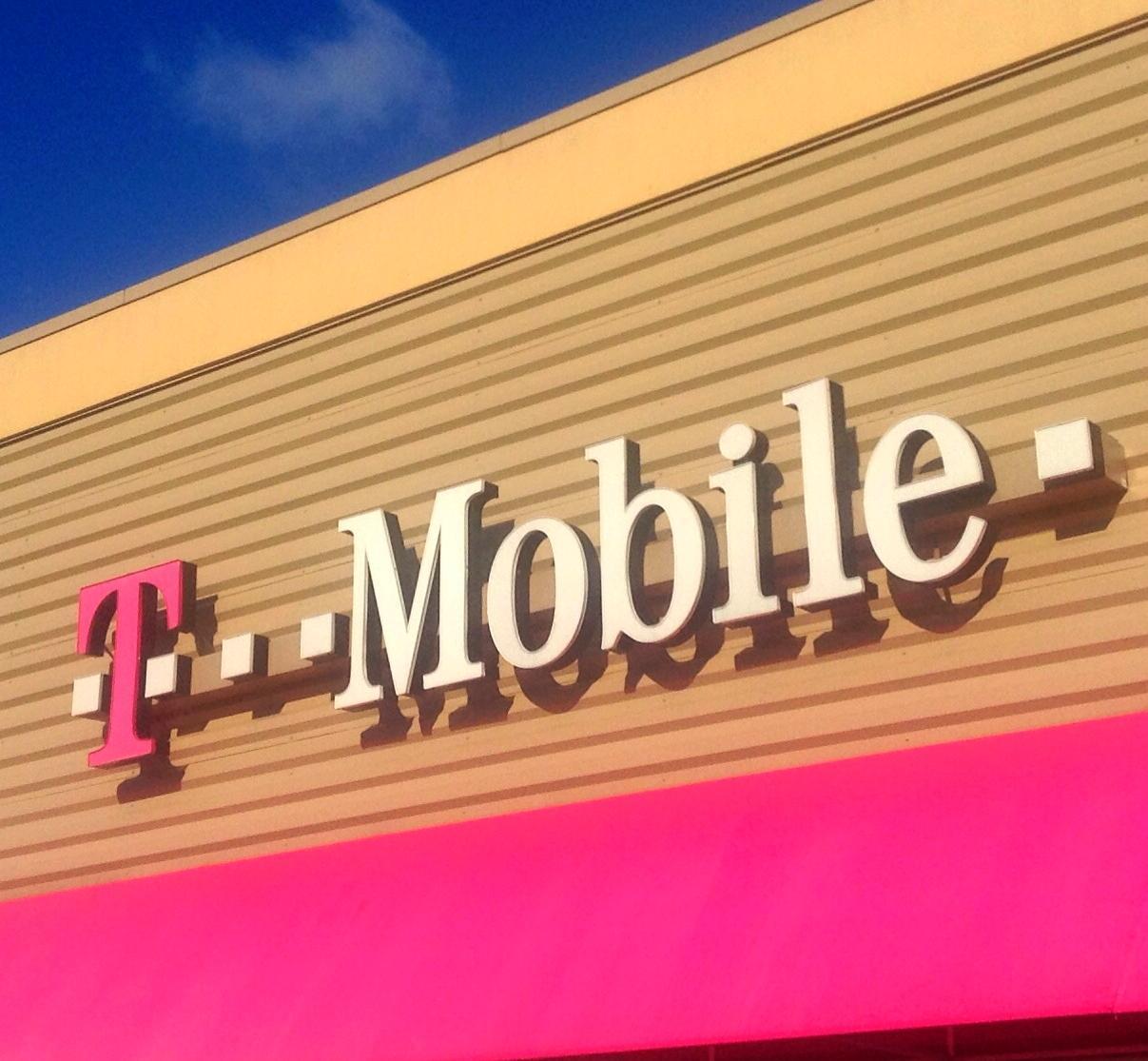 Impactando el Futuro: T‑Mobile celebra el pasado, el presente  y el futuro en el Mes de la Herencia Hispana 2020
