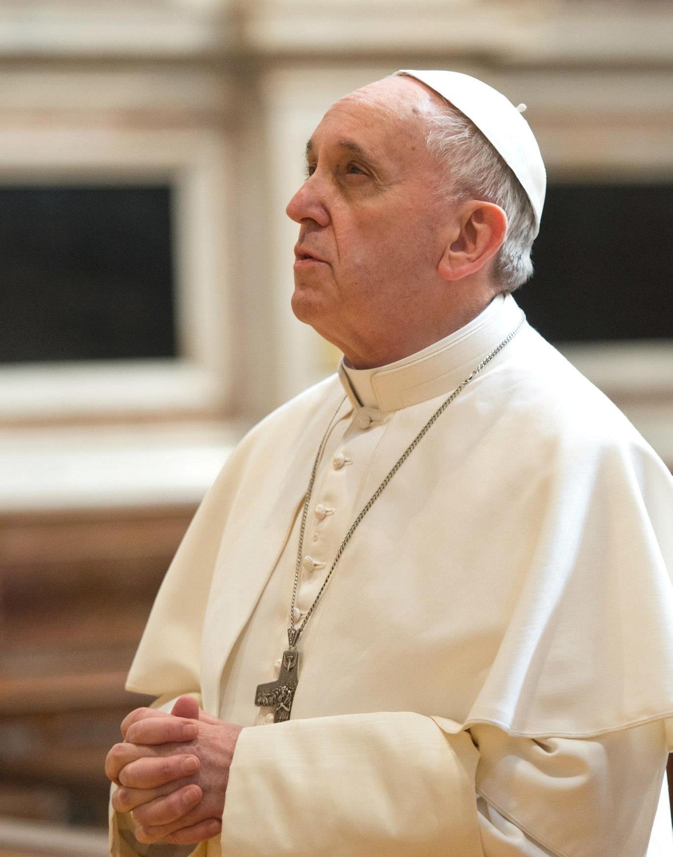 """El papa Francisco 'bendice' uniones civiles homosexuales: """"Son Hijos de Dios"""", dijo"""
