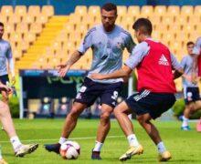 Miguel Herrera dirige su primer entrenamiento como técnico de Tigres