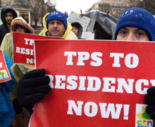Corte Suprema determina que portadores del TPS que entraron  ilegalmente no son elegibles para la residencia permanente