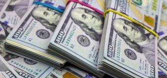 Qué puede puede pasar con  el dólar desde julio y cuál  es el plan del Gobierno,  según los economistas
