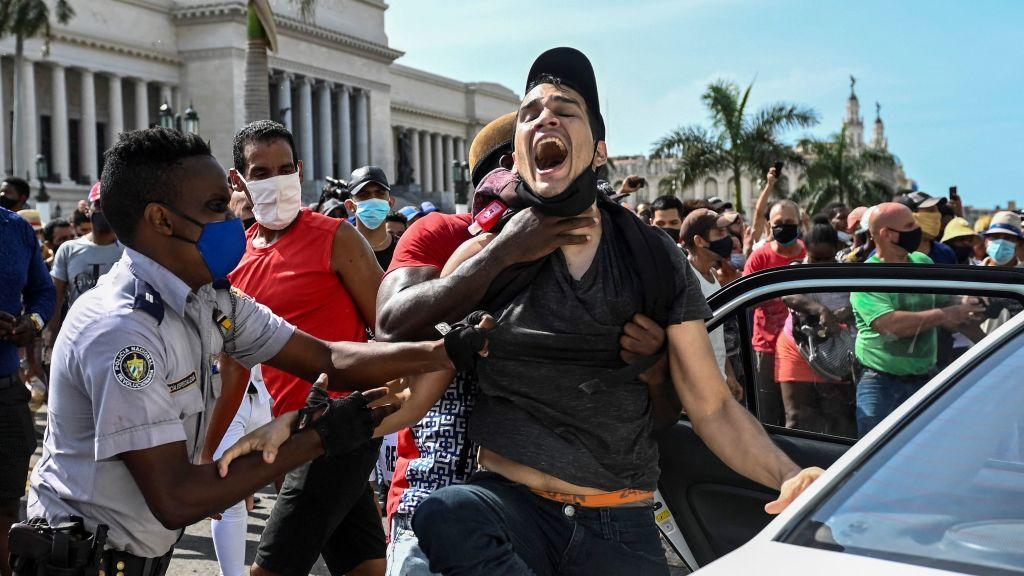 Cuba reprime las protestas. Cubanos dicen haber ganado una batalla