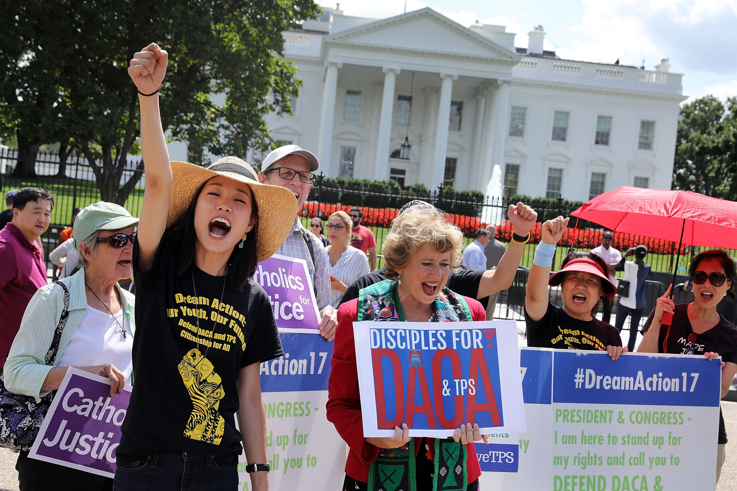 Demócratas reviven estrategia legislativa para regularizar  a dreamers, trabajadores agrícolas y portadores del TPS