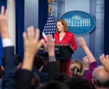 Casa Blanca admite que sus restricciones de viaje no son 'coherentes'