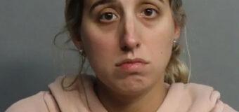 """Maestra """"novata del año"""" arrestada por tener  relaciones sexuales con estudiante de 14 años  de quien parece estar embarazada"""